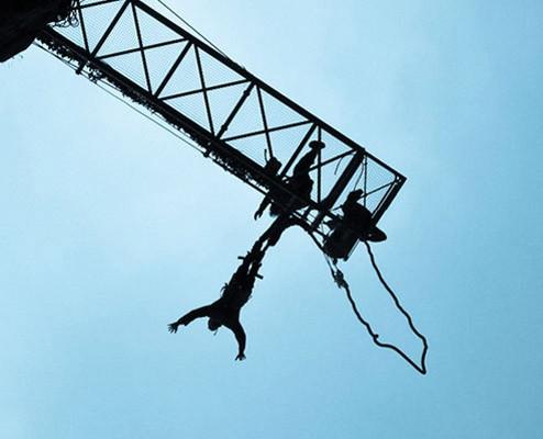 saut-elastique-le-107-underkult